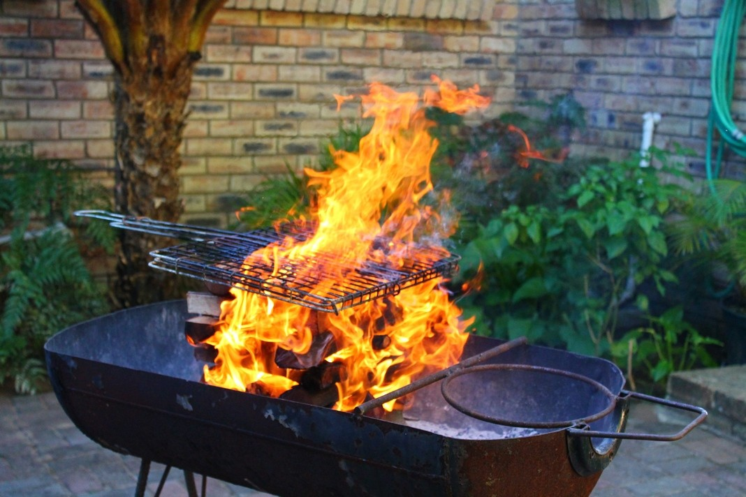 5 Stupid Things People Say About Guns Next To The Braai